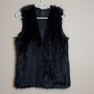 Dynamite black faux fur vest size xs